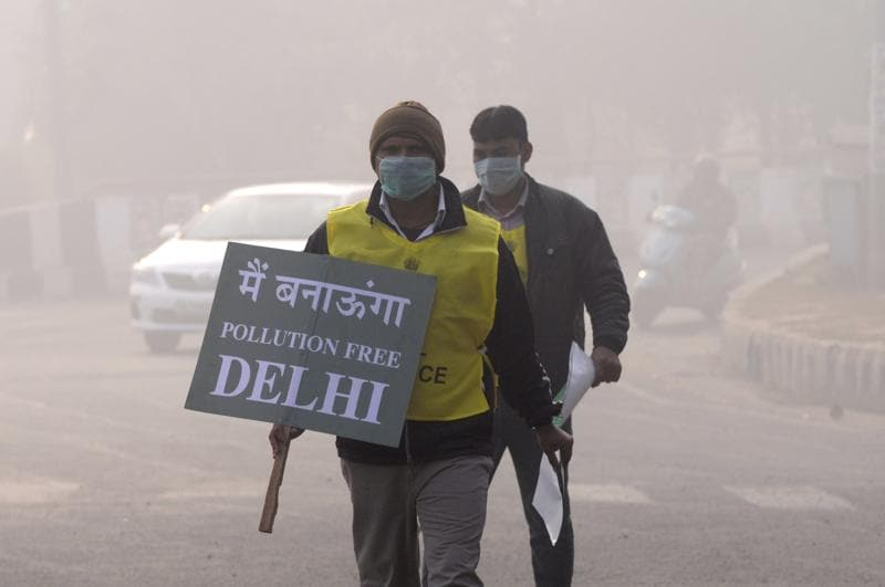 The scheme was launched to tackle the capital city's alarming levels of pollution and smog. Delhi is not the first city to adopt odd-even rationing to bring down pollution – Beijing, Paris, Mexico have also experimented with it, with varying levels of success.  (Sunil Ghosh/HT Photo)