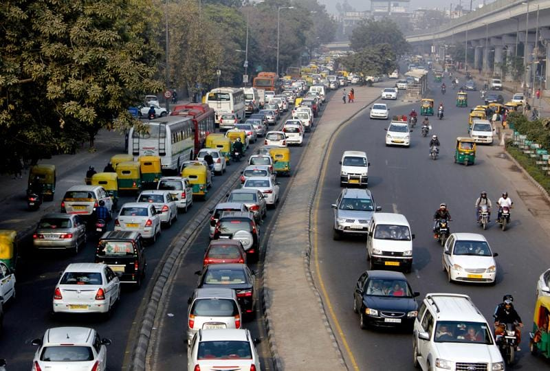 Delhiites, meanwhile, are looking at alternate means of travel, such as carpooling and cab-sharing, to make sure they reach work on time. The Delhi government has also stepped up support, by launching Poocho, an app to augment taxi and auto-rickshaw services.   (Sanchit Khanna/HT Photo)