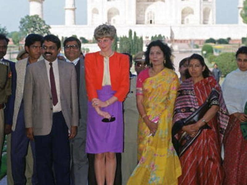 Diana, Princess of Wales meets people during a visit to the Taj Mahal in India. (Tim Graham/Getty Images)