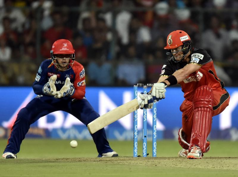 Royal Challengers Bangalore Shane Watson in action. (Mohd Zakir/HT Photo)