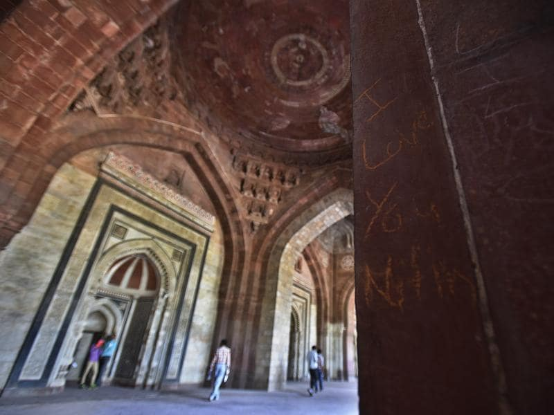 The scribbles showed their love for each other across walls of Old Fort Tomb. Wish the monuments were shown some care too.