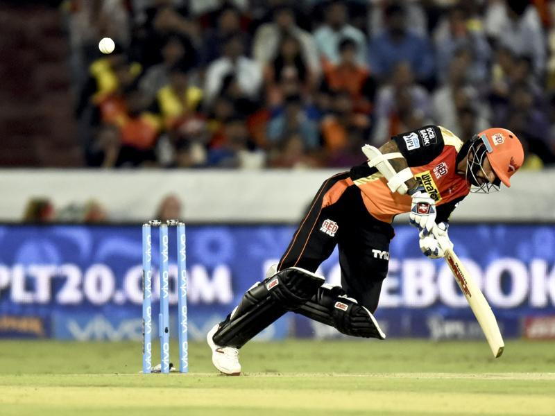 Shikhar Dhawan of Sunrisers Hyderabad beaten by Tim Southee of Mumbai Indians. (Mohd Zakir/HT Photo)