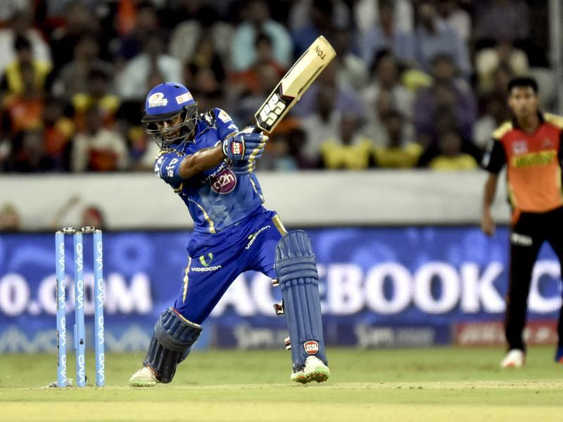 Ambati Rayudu of Mumbai Indians in action against Sunrisers Hyderabad. (Mohd Zakir/HT Photo)