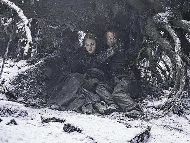 Sansa (Sophie Turner) and Theon (Alfie Allen) tried to hide from Ramsay's men. (HBO)