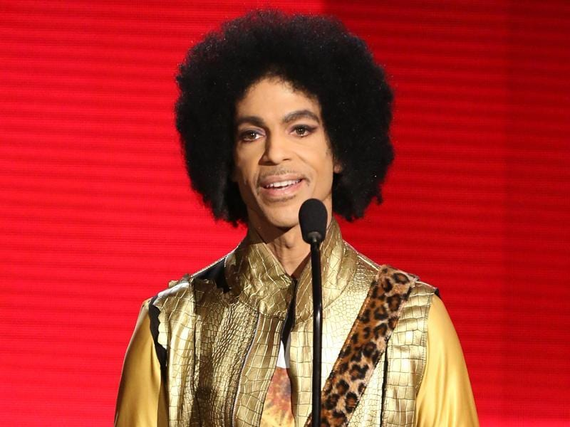 In this November 22, 2015 file photo, Prince presents the award for favourite album -- soul/R&B at the American Music Awards in Los Angeles.  (AP)