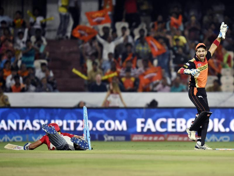 Sunrisers Hyderabad`s Naman Ojha reacts after running out Manan Vohra. (Sanjeev Verma/HT Photo)