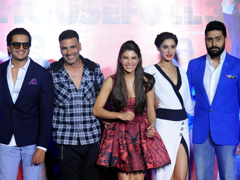 (From left) Riteish Deshmukh, Akshay Kumar, Jacqueline Fernandez, Nargis Fakhri and Abhishek Bachchan pose for a photograph during a promotional event for the Housefull 3. (AFP)