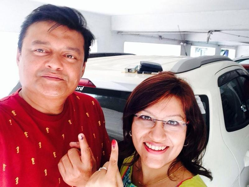 Saswata Chatterjee and his wife Mahua Chatterjee after casting their vote.  (IANS)