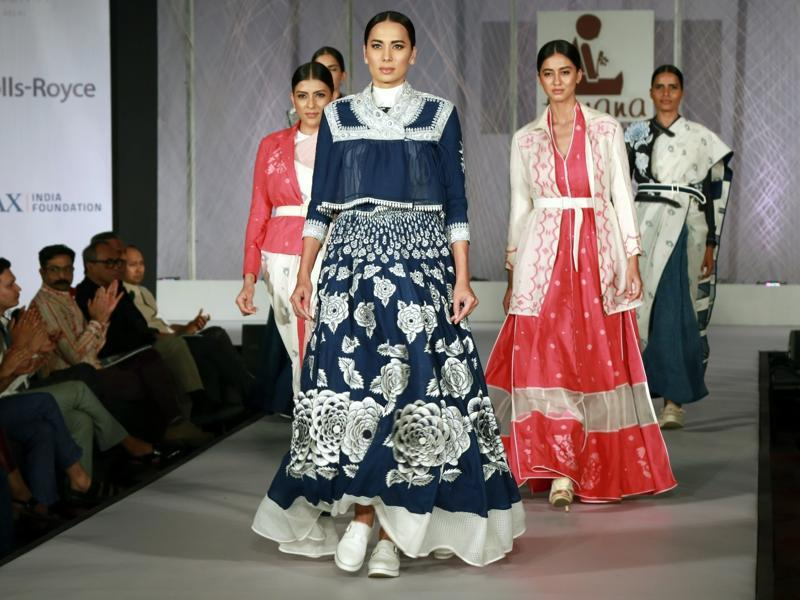 The event featured the creations of ten designers of the FDCI including Anju Modi, JJ Valaya, Rajesh Pratap Singh and Rohit Bal. (IANS)