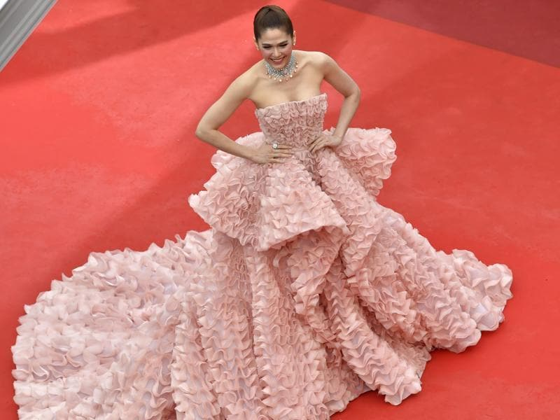 British-Thai actor Araya Hargate made several heads turn in her full pastel gown.  (AFP)