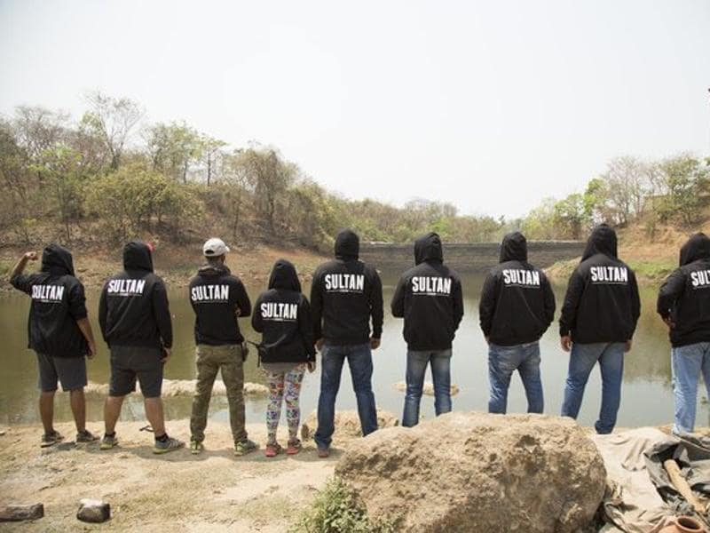 Salman gifted custom sweatshirts to the entire team of Sultan when the Punjab leg of the shooting wrapped up recently. (Twitter)
