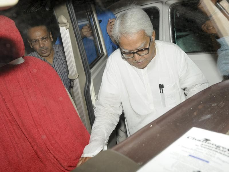 Left Front chairman Biman Bose leaving CPI-M party office after their party failed to gain power in West Bengal.  (Hindustan Times)
