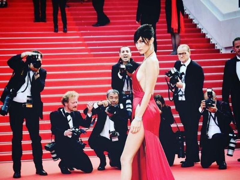 But as she made her way down the carpet, the slit didn't just reveal her left leg!  (Instagram)