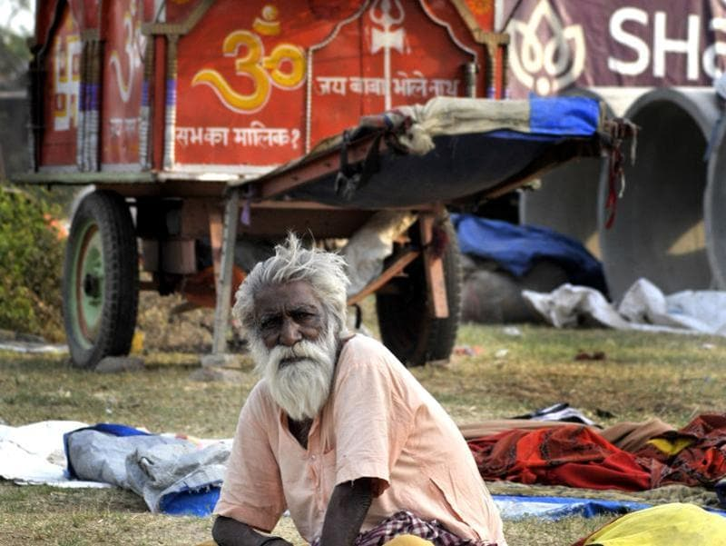A 150-member group led by an 84-year-old man, that has for now set up camp in Sector 39, claims to have been on the move for the last 25 years. (Ravi Kumar/HT Photo)