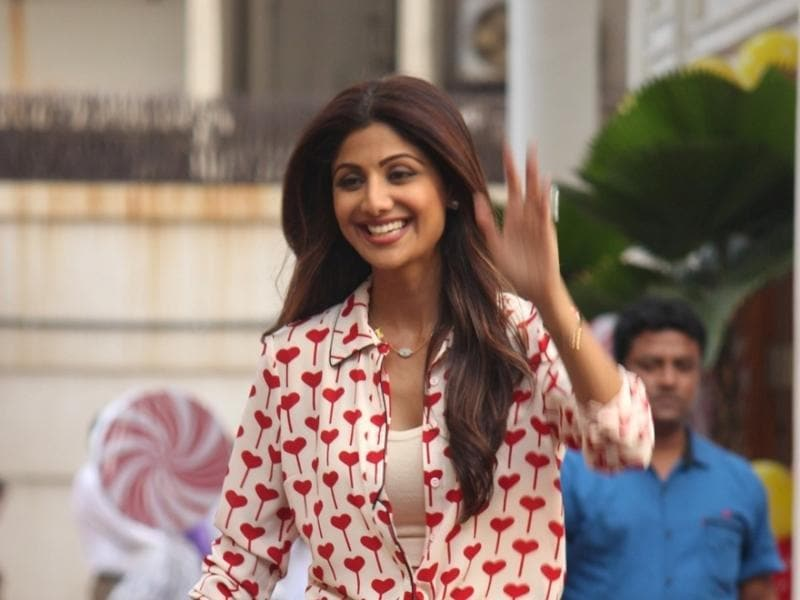 Shilpa Shetty waves to fans during the birthday celebration of her son Viaan. (IANS)