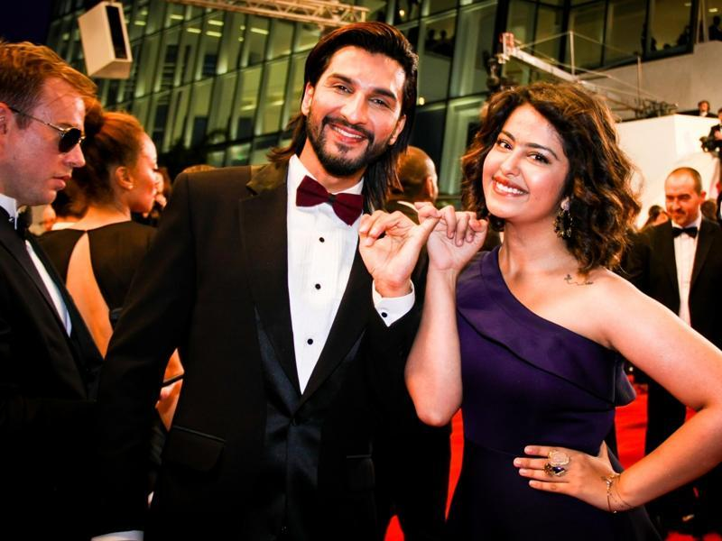 Actors Manish Raisinghani and Avika Gor enjoy their red carpet appearance at 69th Cannes Film Festival.  (IANS)