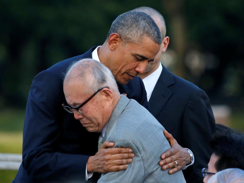 US President Barack Obama (L) hugs with atomic bomb survivor Shigeaki Mori as he visits Hiroshima Peace Memorial Park in Hiroshima, Japan, on May 27. Obama became the first incumbent US president to visit Hiroshima on Friday, laying a wreath at the site of the world's first atomic bombing in a gesture Tokyo and Washington hope will showcase their alliance and invigorate efforts to end nuclear arms. (REUTERS)