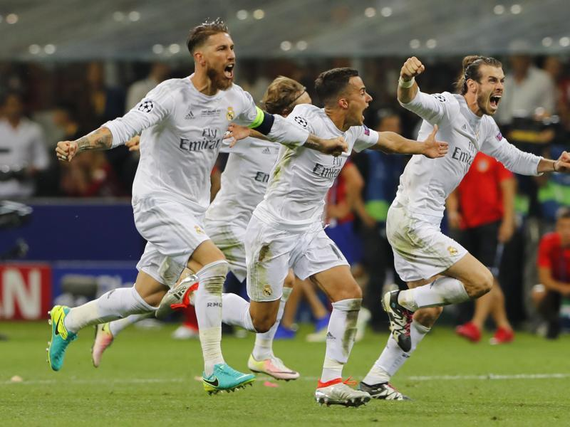 Real Madrid celebrate winning the penalty shoot out and the Uefa Champions League final against Atletico Madrid. (Reuters Photo)