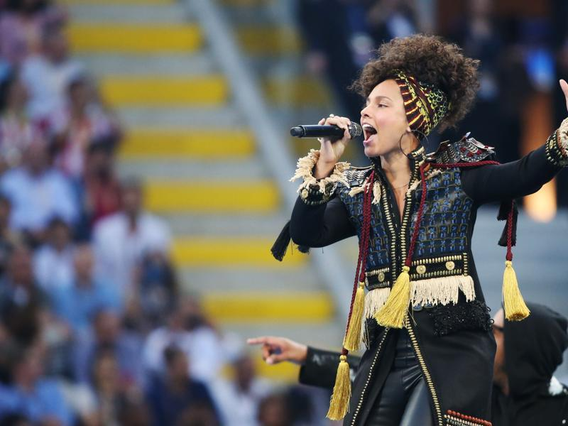 Alicia Keys performs in the opening ceremony before the game kicked off. (Reuters Photo)