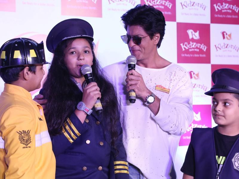 Shah Rukh Khan is clearly enjoying the company of kids.  (IANS)