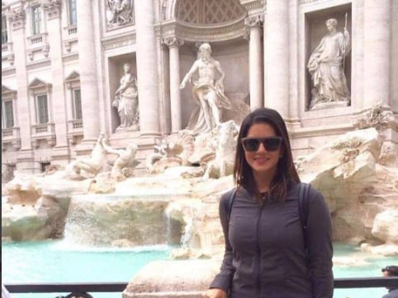Sunny Leone at the Trevi fountain, Rome. (Instagram)