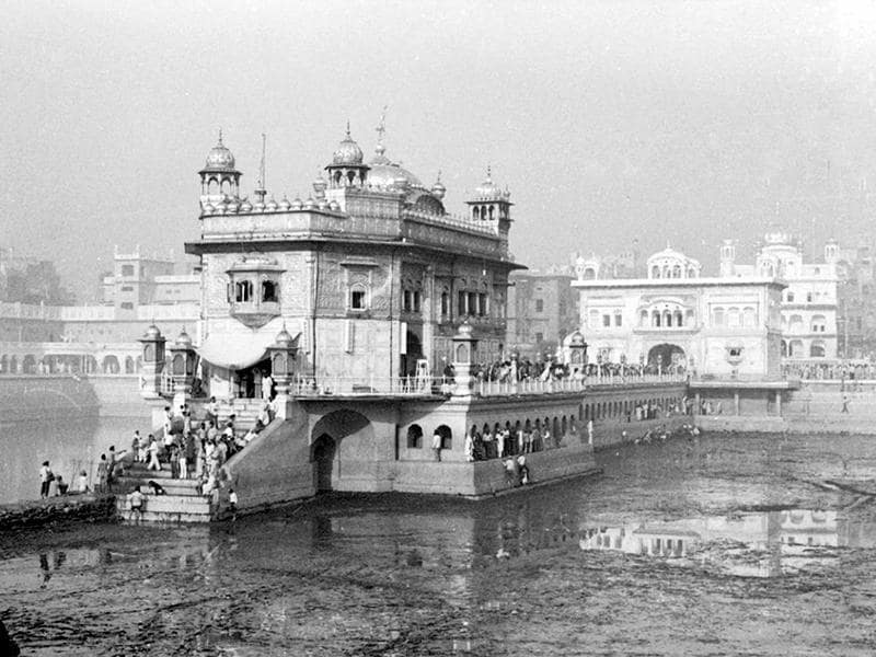 On June 6, 1984, over 1,000 lives were claimed during Operation Bluestar, the raid on Sikh's holiest shrine Golden Temple to cow down extremists led by Jarnail Singh Bhindrawale. This November 22, 1984-photo shows Kar Sewa at the Golden Temple.  (KK Chawla/HT File Photo )
