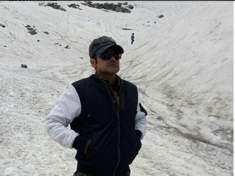 Bengali superstar Prosenjit is shooting for a film at Sach Pass Himachal Pradesh. (Instagram)