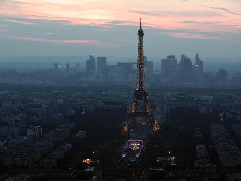 This picture taken on June 9, 2016 from the Montparnasse tower shows the opening concert of the Paris fan zone on the Champs de Mars one day before the start of the Euro 2016 football championship, in Paris.  (AFP)