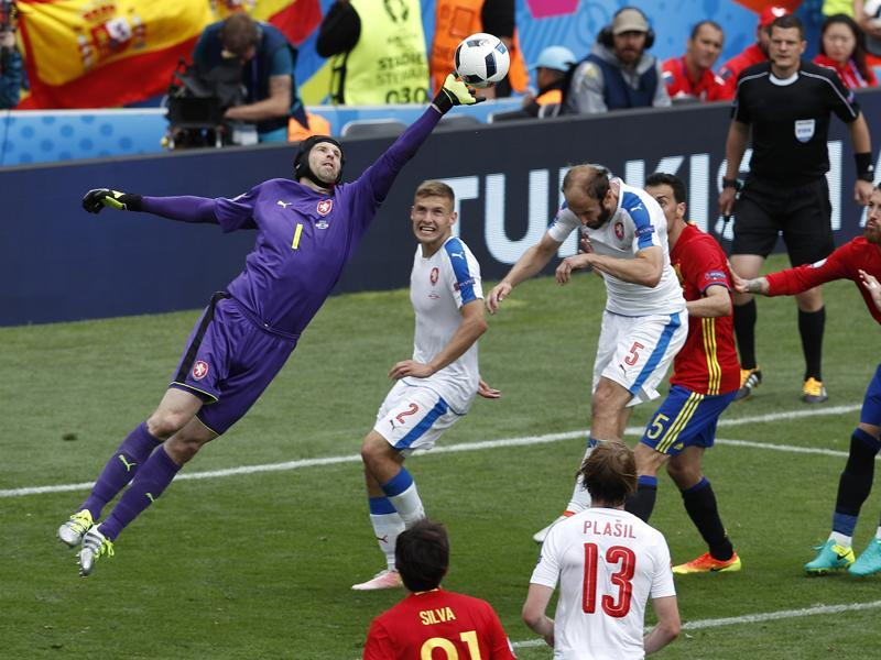 Petr Cech, left, made several saves to keep the Czechs in the hunt. (AP)