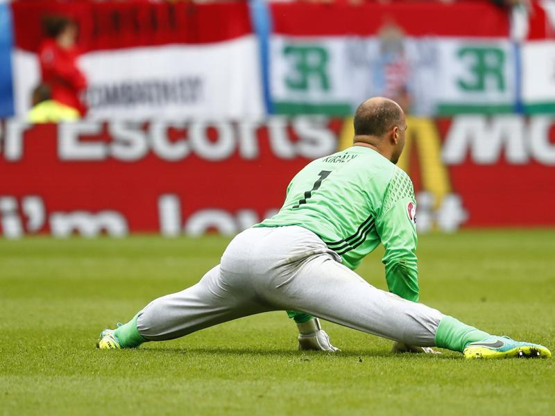 Hungary's Gabor Kiraly became the oldest footballer to play in European Championship finals. (Reuters Photo)
