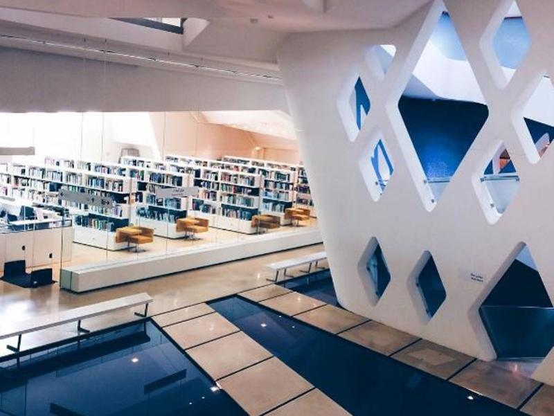 Library and the pool side of Syeikh Zayed Desert Learning Centre in Al Ain Abu Dhabi.  (Instagram/windadeftiani)