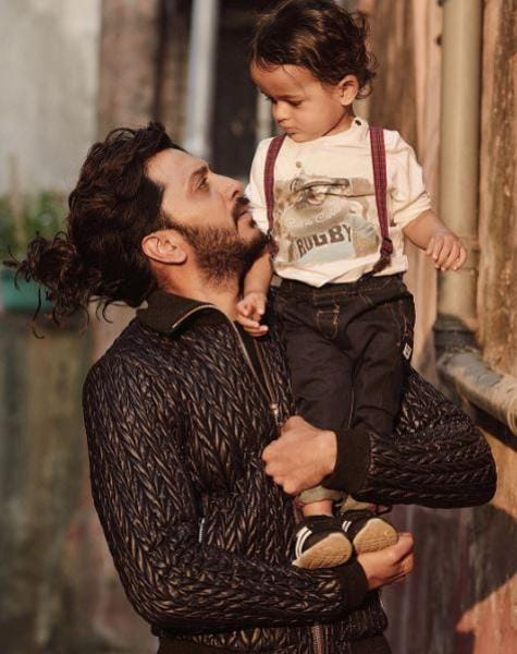 Wishing her father on Sunday, Genelia Deshmukh also shared this picture of her husband and son -Riteish and Riaan. (Instagram)