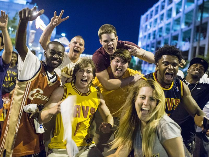 Cleveland Cavaliers fans celebrate the team's win. (AFP)