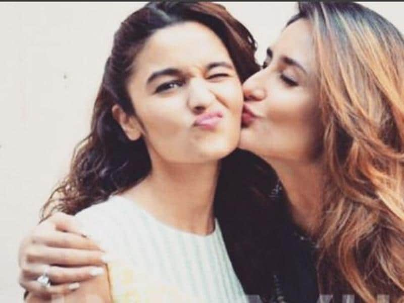 Alia Bhatt captioned this image with Kareena Kapoor Khan as the 'best moment' from Udta Punjab shooting. (Instagram)