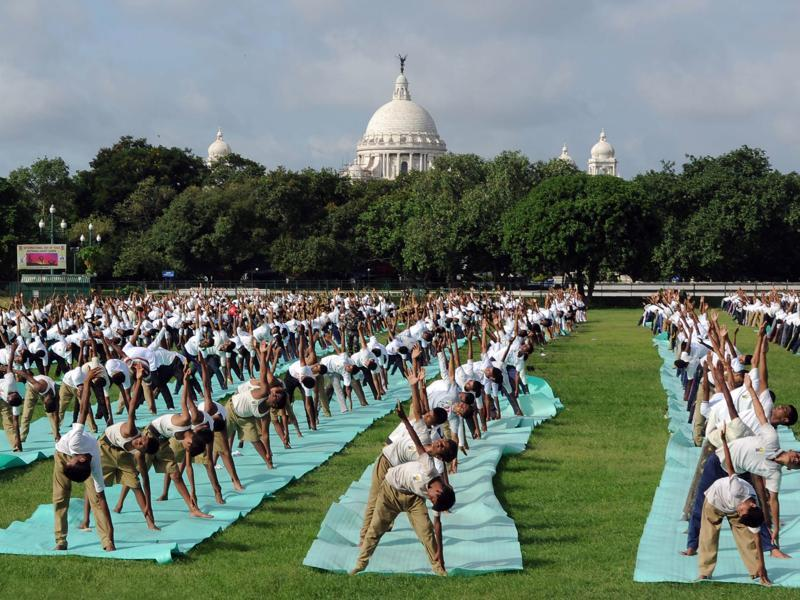 NCC cadets participate in a mass yoga session in Kolkata. (Subhankar Chakraborty/HT Photo)