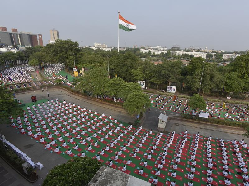 Delhiites turned out in large numbers to celebrate International Yoga Day. (Raj K Raj/HT Photo)