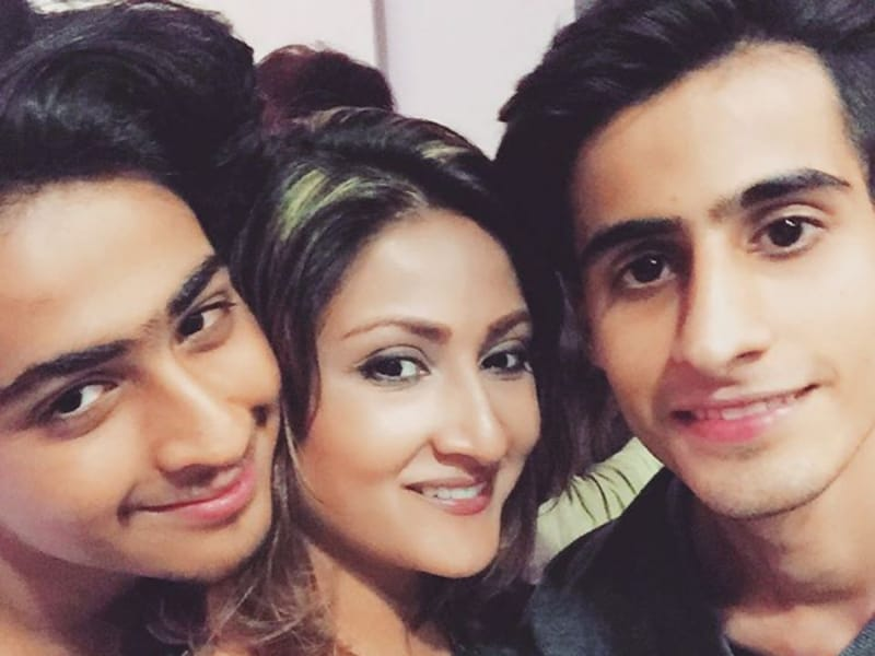 Urvashi Dholakia with her sons Kshitij and Sagar. (Instagram)