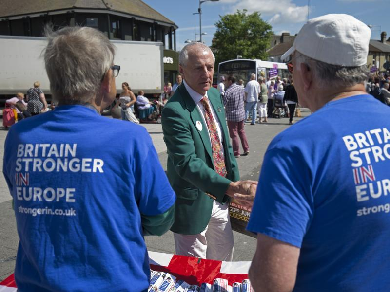 But the Brits sure know how to keep it civil even when they find themselves on the opposite sides of a heated debate.  Remain campaigners shake hands with a Leave supporter in Clacton-on-Sea ahead of a public rally.   (AFP/Justin Tallis)