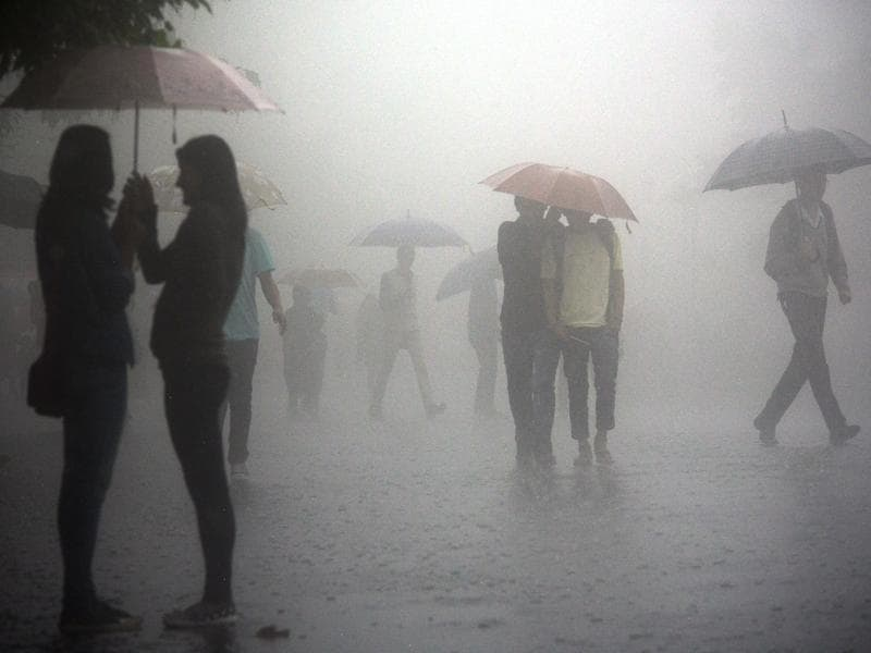 Rain was at its romantic best in Shimla on Wednesday. (Deepak Sansta/HT)