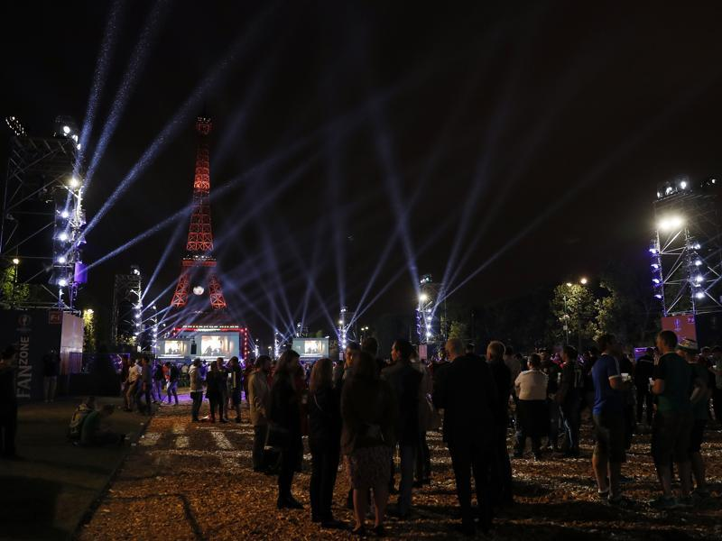 People watch the Euro 2016 group D football match between Croatia and Spain at the fan zone near the Eiffel Tower in Paris. (AFP Photo)