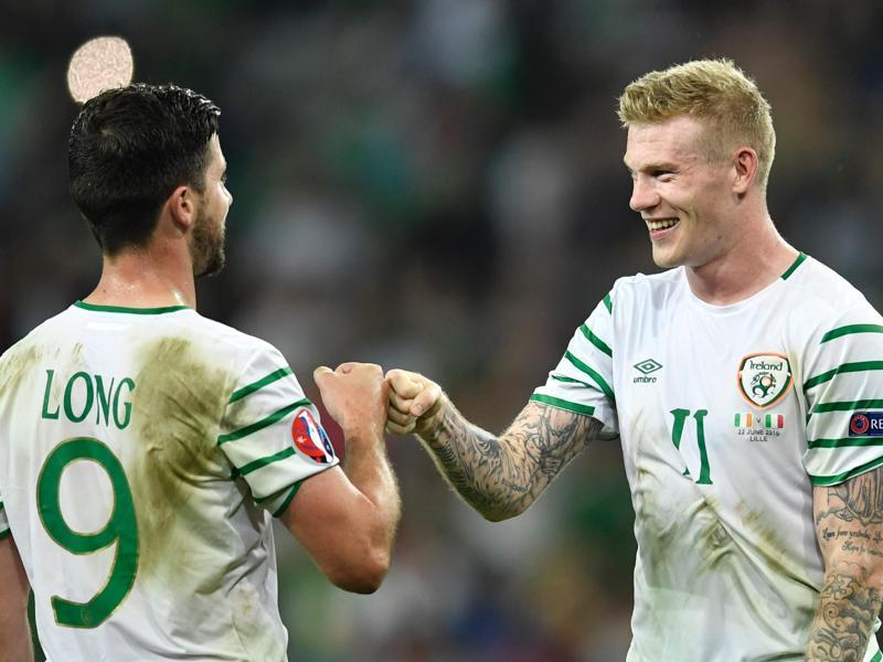 Ireland's forward Shane Long (L) and Ireland's midfielder James McClean react after the Euro 2016 group E football match between Italy and Ireland. (AFP photo)