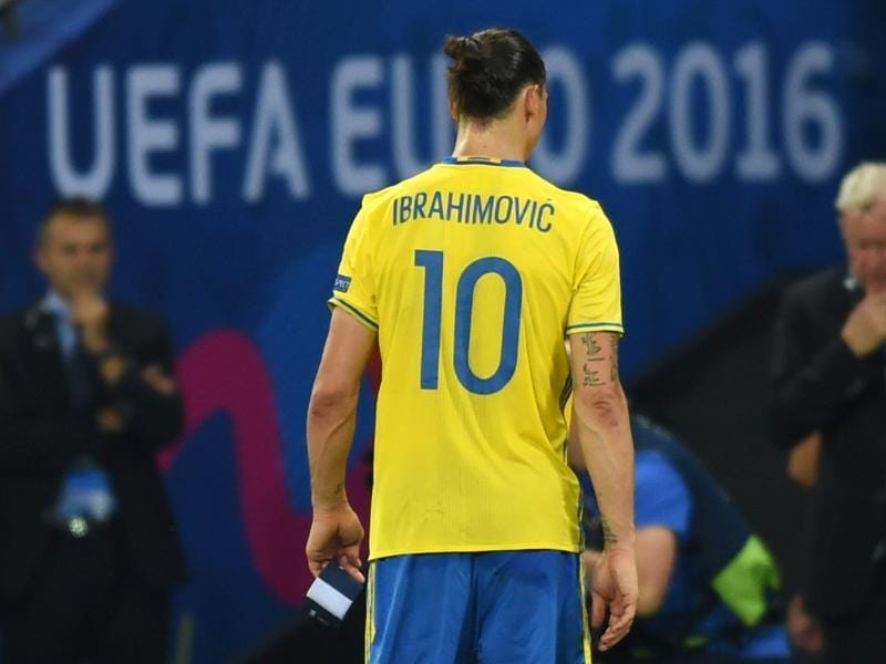 Sweden's forward Zlatan Ibrahimovic walks on the pitch after Sweden lost 0-1 in the Euro 2016. (AFP photo)