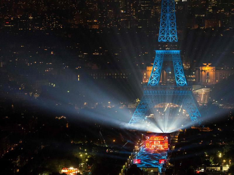The opening concert of the Paris fan zone on Champs de Mars by the Eiffel Tower, in Paris. (AFP Photo)