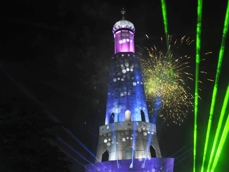 Laser show to mark the birth tricentenary of Sikh warrior Banda Singh Bhadur at his memorial in Chappar Chiri in SAS Nagar (Mohali) on Saturday. (Gurminder Singh/HT Photo)