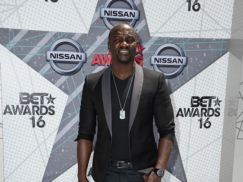 From Usher to Akon, we couldn't stop gasping for air upon seeing all the hotties at the BET Awards.  (Instagram)