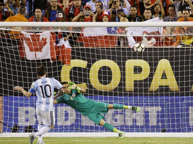 Argentina's Lionel Messi misses his shot during penalty kicks in the Copa America Centenario  final. (AP Photo)