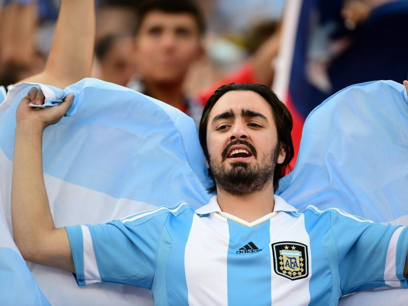 A supporter of Argentina waits for the start of the Copa America Centenario final. (AFP)