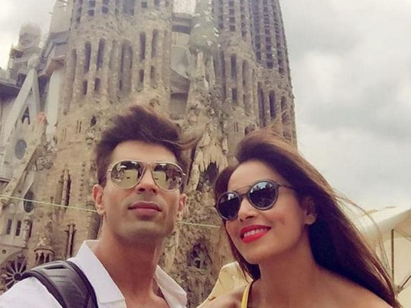 This is one couple that ain't getting out of the honeymoon period soon. Bipasha Basu and Karan Singh Grover enjoy some quality time in Barcelona. (Instagram)