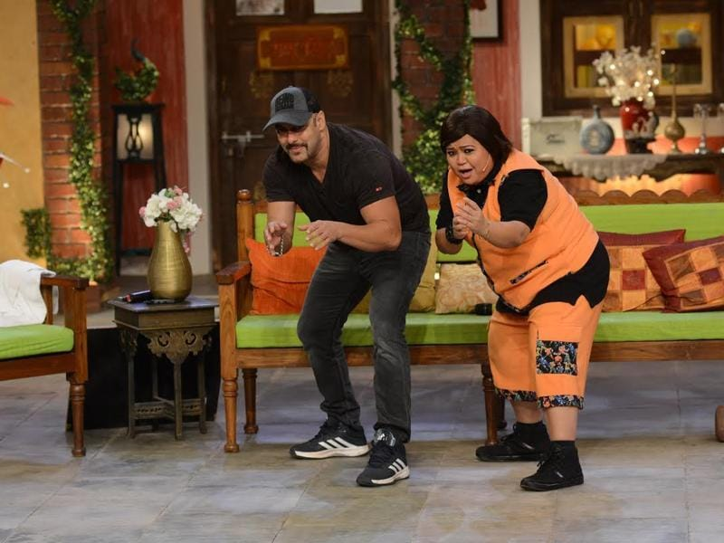 Comedian Bharti Singh joins Salman as he flaunts some of his moves on Comedy Nights Live. (COLORS)