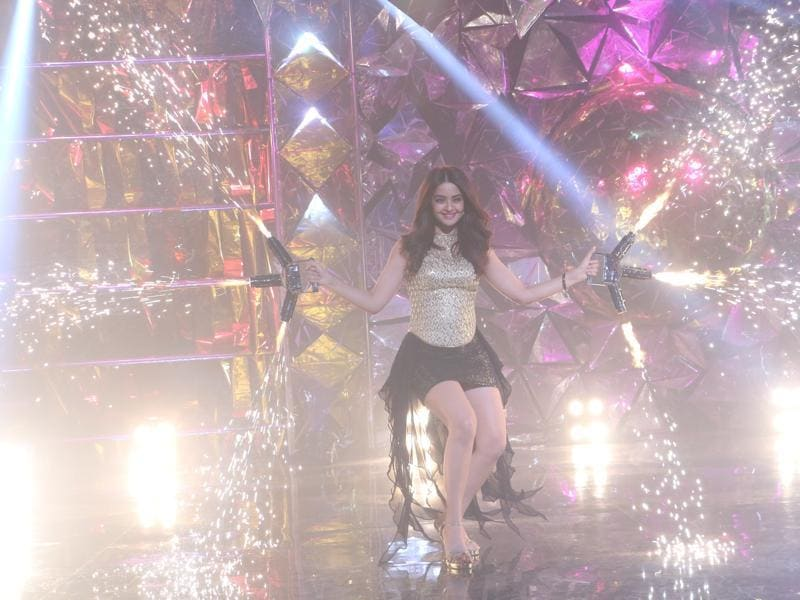 Surveen Chawla will be a tough competitor for everyone on Jhalak 9. (Colors TV)